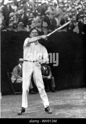 Maurice ('Red Mac') McLoughlin won the US Men's singles title in 1913-14. He was the first men's champion from west of the Mississippi and was the first to develop the cannonball service.. - Stock Photo