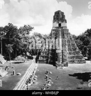 Temple II - Tikal - Guatemala. Tikal (or Tik'al, according to the more current orthography) is the largest of the ancient ruined cities of the Maya ci - Stock Photo
