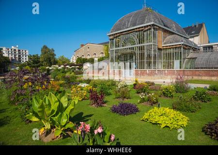 Nantes, Jardin des Plantes, historisches Gewächshaus - Stock Photo