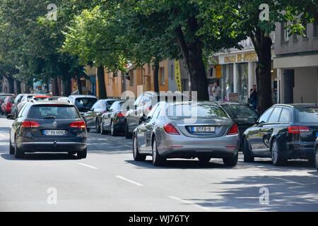 2. Row, car, cars, motor traffic, impediment, Berlin, Charlottenburg, Charlottenburger, Charlottenburg-Wilmersdorf, Germany, wrong, wrong, wrong, wron - Stock Photo