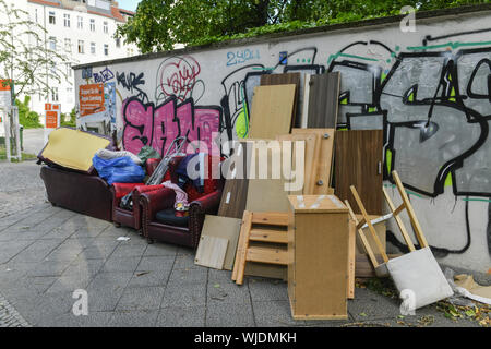 Rubbish, waste disposal, Behmstrasse, Behmstrasse, Berlin, Germany, mud, dirtily, piece of furniture, piece of furniture, garbage, waste disposal, gar - Stock Photo