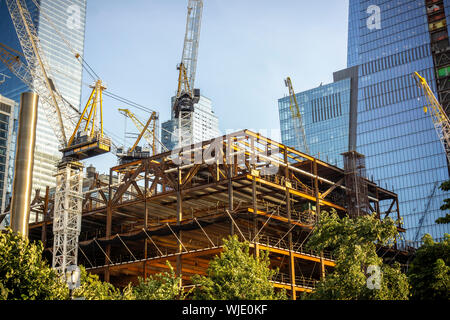 Development in and around Hudson Yards in New York on Saturday, August 30, 2019. (© Richard B. Levine) - Stock Photo