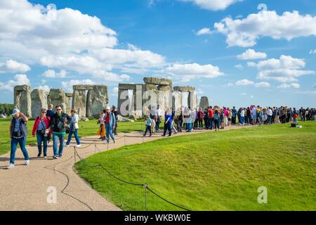 Crowds at Stonehenge stone circle stonehenge near Amesbury Wiltshire england uk gb Europe - Stock Photo