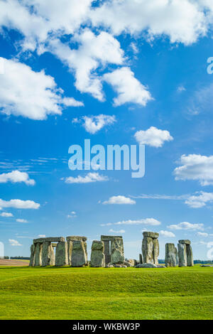 Stonehenge stone circle stonehenge near Amesbury Wiltshire england uk gb Europe - Stock Photo