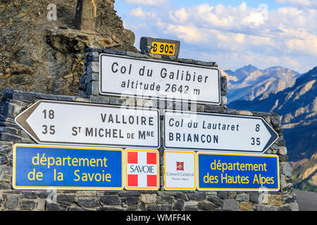 France, Hautes Alpes, Le Monetier les Bains, Col du Galibier (2642 m), road signs // France, Hautes-Alpes (05), Le Monêtier-les-Bains, col du Galibier - Stock Photo