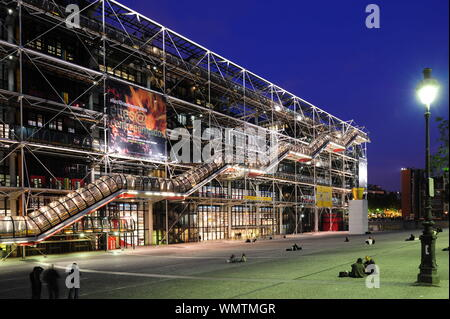 Paris, Centre national d'art et de culture Georges Pompidou, Renzo Piano, Richard Rogers 1977 - Stock Photo