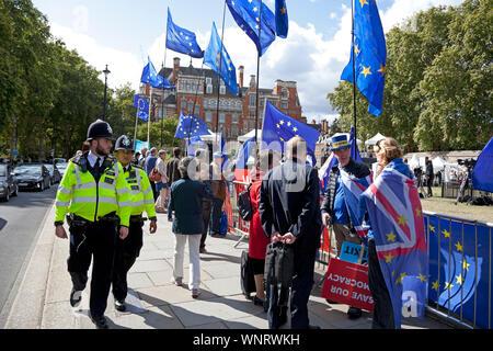 Steve Bray, activist, Mr Stop Brexit, speaking to Lord Rennard, Lib Dem, peer Westminster, London, England, UK - Stock Photo