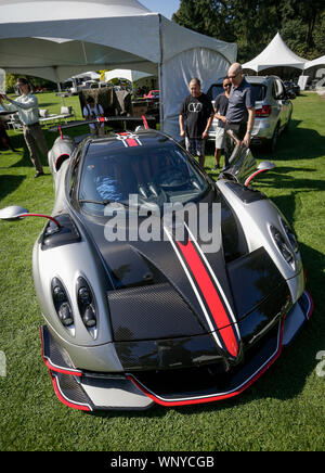 Vancouver, Canada. 6th Sep, 2019. A Pagani Huayra Roadster is displayed during the media preview of the 10th annual Luxury and Super Weekend show in Vancouver, Canada, on Sept. 6, 2019. The 10th Luxury and Supercar Weekend is open to the public from Sept. 7 to Sept. 8, presenting makes like Rolls-Royce, Bugatti Veyron, etc. Credit: Liang Sen/Xinhua - Stock Photo