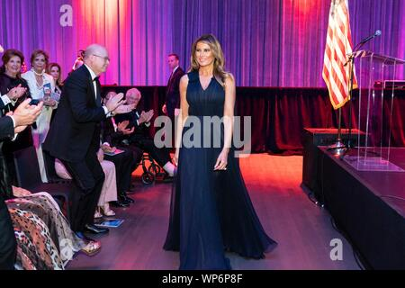 Washington, DC, USA. 05 September, 2019. U.S. First Lady Melania Trump smiles as she arrives for the REACH dedication and performance at the John F. Kennedy Center for the Performing Arts September 5, 2019 in Washington, D.C. - Stock Photo