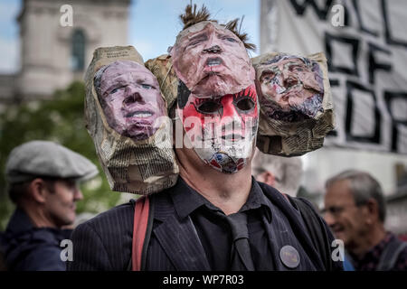 London, UK. 7th September, 2019. Pro-Remain supporters gather in Parliament Square for rally and speeches. Credit: Guy Corbishley/Alamy Live News - Stock Photo
