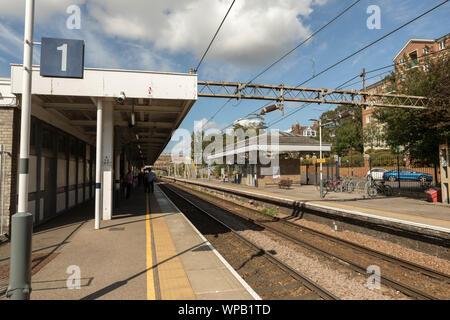 Westcliff on Sea train station - Stock Photo