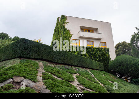 Exterior of Villa Mueller Functionalist Residential House buildt by Adolf Loos and Karel Lhota in 1928-1930 - Stock Photo