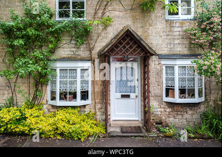 Cottage in the ancient Anglo Saxon town of Winchcombe, Cotswolds, Gloucestershire, England - Stock Photo