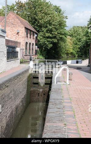 Around Worcestershire - Worcester & Birmingham Canal - Stock Photo