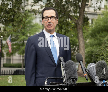 Washington, DC, USA. 9th Sep, 2019. STEVEN MNUCHIN, United States Secretary of the Treasury, giving an interview near the West Wing of the White House. Credit: Michael Brochstein/ZUMA Wire/Alamy Live News - Stock Photo