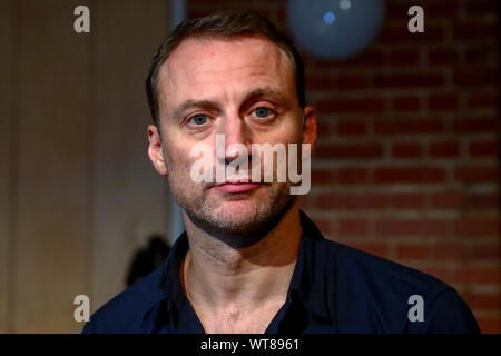Moscow, Russia. 11th Sep, 2019. MOSCOW, RUSSIA - SEPTEMBER 11, 2019: Actor Anatoly Bely during a meeting of the Theater of Nations company ahead of a new season. Sergei Fadeichev/TASS Credit: ITAR-TASS News Agency/Alamy Live News - Stock Photo