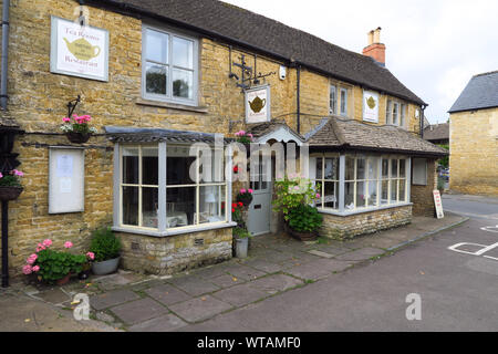 Smiths of Bourton, a tearoom and restaurant in the Cotswold town of Bourton on the Water, Gloucestershire - Stock Photo