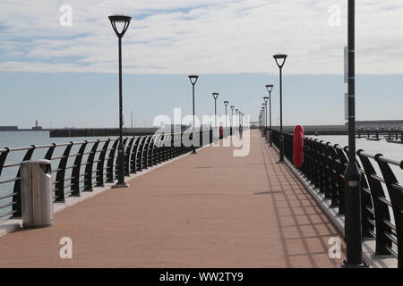 The new 550 metre pier on the Western Docks in  Dover Kent which is part of the towns revival programme. - Stock Photo
