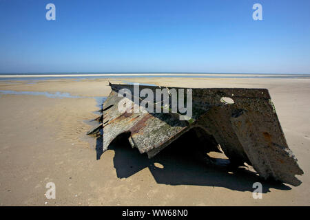 The wreck of the English steamboat 'Verona' stranded on the 13.12.1883 in the east of the island Spiekeroog - Stock Photo