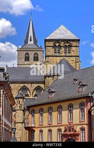 Liebfrauenkirche (Church of Our Lady) and High Cathedral of Saint Peter in Trier, Liebfrauenstraße, Trier, Rhineland-Palatinate, Germany - Stock Photo