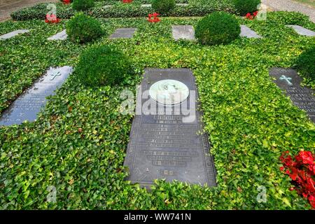 Cemetery in the courtyard of the cloister, High Cathedral of Saint Peter, Trier, Rhineland-Palatinate, Germany - Stock Photo