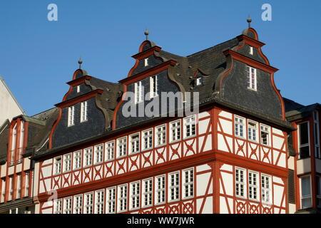 Germany, Hesse, Frankfurt on the Main, Römerberg, half-timbered house, traditional restaurant Schwarzer Stern - Stock Photo