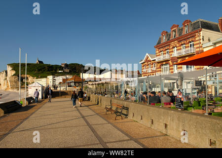 Seafront of Etretat in the morning light, Etretat, Seine-Maritime, English Channel, Normandy, France - Stock Photo