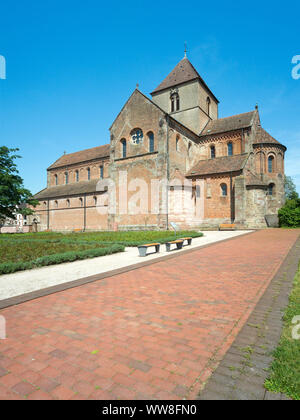 Germany, Baden-Württemberg, Rheinmünster, Schwarzach cathedral from southeast, former monastery church St. Peter and Paul, former Benedictine abbey, Romanesque building on the Upper Rhine made of red sandstone and brick, built 1220-1225 - Stock Photo