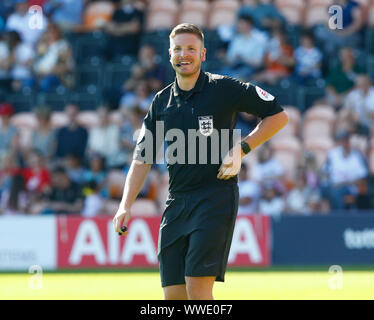 London, Inited Kingdom. 08th Sep, 2019. LONDON, UNITED KINGDOM SEPTEMBER 15. Referee Ryan Atkin during Barclays FA Women's Spur League between Tottenham Hotspur and Liverpool at The Hive Stadium, London, UK on 15 September 2019 Credit: Action Foto Sport/Alamy Live News - Stock Photo