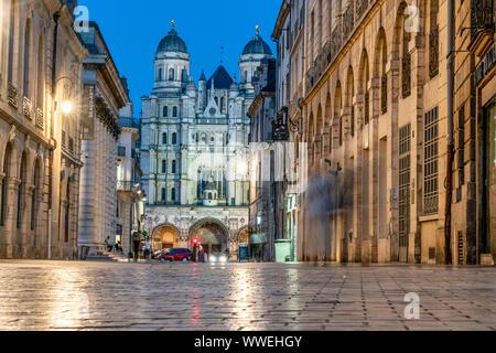 Saint Michel church , Dijon, Burgundy, Frankreich, Europa - Stock Photo