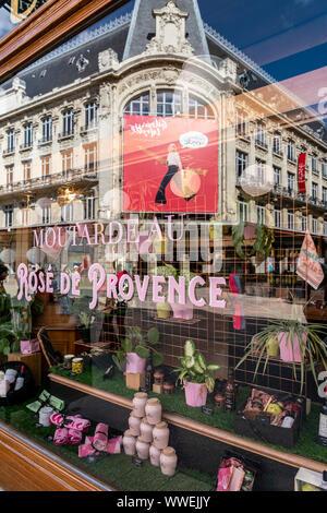 Maille mustard boutique shop, Galerie Lafayette reflection in shop window, Dijon, Burgund, Frankreich - Stock Photo
