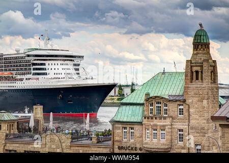 Queen Mary 2 in Hamburg, Germany - Stock Photo