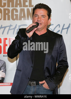 Michael Morgan on Promotour for his new CD BESSER on 20.10.2016 in Magdeburg - Stock Photo