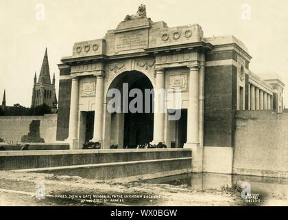 'Menin Gate Memorial to the Unknown Soldiers of the British Armies', Ypres, Belgium, c1927. The Menin Gate, designed by Sir Reginald Blomfield, was unveiled on 24 July 1927 as a memorial to the British and Commonwealth soldiers killed in the Ypres Salient of World War I, and whose graves are unknown. - Stock Photo
