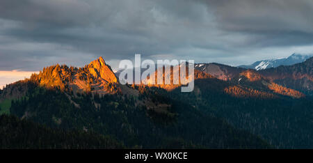 Evening light on mountain peaks, view from Hurricane Ridge, Olympic National Park, UNESCO, Washington State, United States of America, North America - Stock Photo
