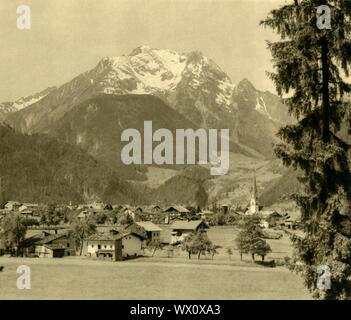 """Mayrhofen, Zillertal, Austria, c1935. View of the town of Mayrhofen in the Ziller river valley, Tyrol. From """"Österreich - Land Und Volk"""", (Austria, Land and People). [R. Lechner (Wilhelm Müller), Vienna, c1935] - Stock Photo"""