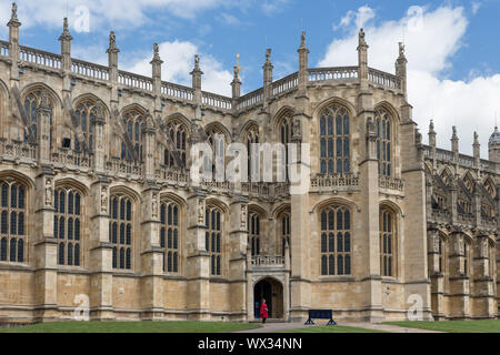 People visiting Windsor Castle, country house queen of England - Stock Photo