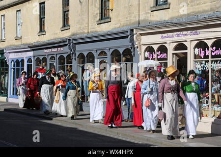 Grand Regency Costumed Promenade, Jane Austen Festival, Pulteney Bridge, Bath, Somerset, England, Great Britain, United Kingdom UK, Europe - Stock Photo