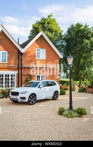 Luxury house and car in rural Buckinghamshire, England, UK - Stock Photo