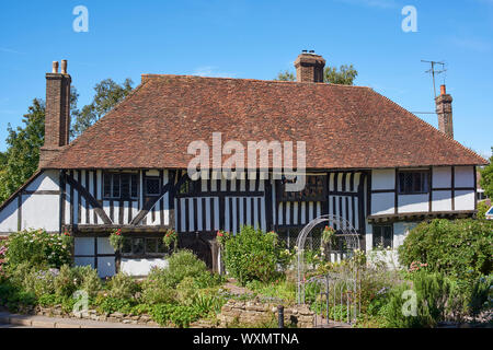 The historic 15th century Pilgrim's Rest Cafe, in the centre of the town of Battle, near Hastings, East Sussex, UK - Stock Photo