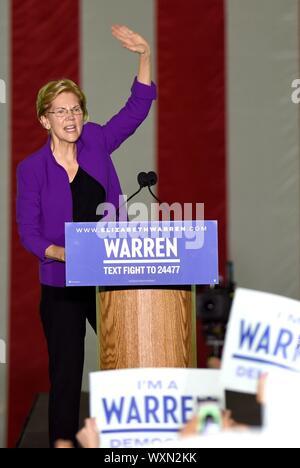 New York, NY, USA. 16th Sep, 2019. Senator Elizabeth Warren in attendance for Senator Elizabeth Warren NYC Rally, Washington Square Park, New York, NY September 16, 2019. Credit: Kristin Callahan/Everett Collection/Alamy Live News - Stock Photo