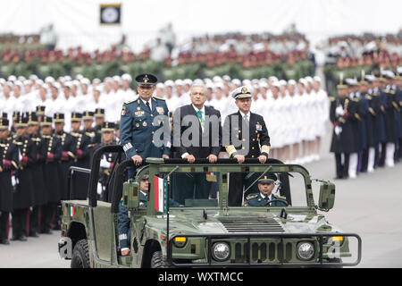 Beijing, Mexico. 16th Sep, 2019. Mexican President Andres Manuel Lopez Obrador attends the Mexico's Independence Day military parade in Mexico City, capital of Mexico, Sept. 16, 2019. Credit: Francisco Canedo/Xinhua - Stock Photo