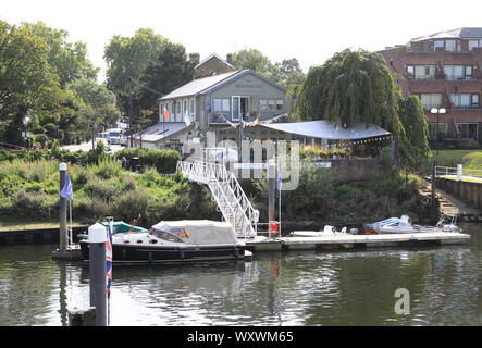 The Boathouse design studio at Teddington Lock, on the banks of the River Thames, in Middlesex, UK - Stock Photo