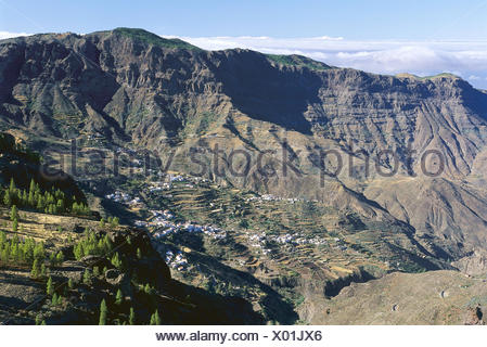 Spain, island grain Canaria, Roque Nublo, mountain landscape, place Europe, Südwesteuropa, Iberian peninsula, Espana, the Canaries, Canary islands, Canaries island, 'Parque Rural El Nublo', scenery park, mountainous region, mountains, mountains, place - Stock Photo