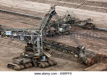 Bucket wheel excavators 275 in Inden opencast mine, lignite mining, Inden, Rhenish lignite mining area, North Rhine-Westphalia - Stock Photo