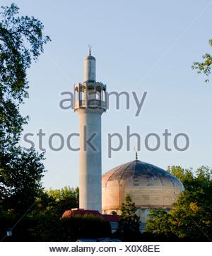 Europe, UK, England, London, Regents Park, mosque, central mosque, Islamic Cultural Centre, minaret - Stock Photo