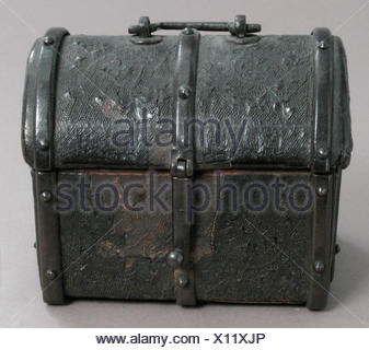 Coffret. Date: 15th-16th century; Culture: European; Medium: Cuir bouilli (tooled leather), iron fittings, wood core, parchment lining; Dimensions: - Stock Photo