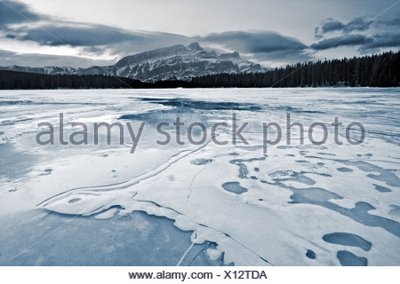 Two Jack Lake in winter, Banff National Park - Stock Photo