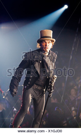 Frank Fabry, FlicFlac Christmas Circus, premiere of Schrille Nacht, eilige Nacht, Westphalia Hall, Dortmund - Stock Photo