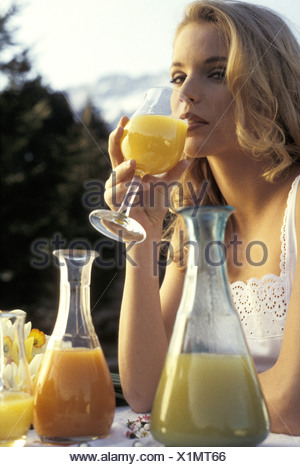 Wellness, gesund fruehstuecken - Stock Photo